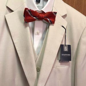 Stafford Essentials Bone/Off-White 3-Piece Suit